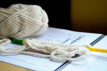 General Information : What is the difference between knitting and